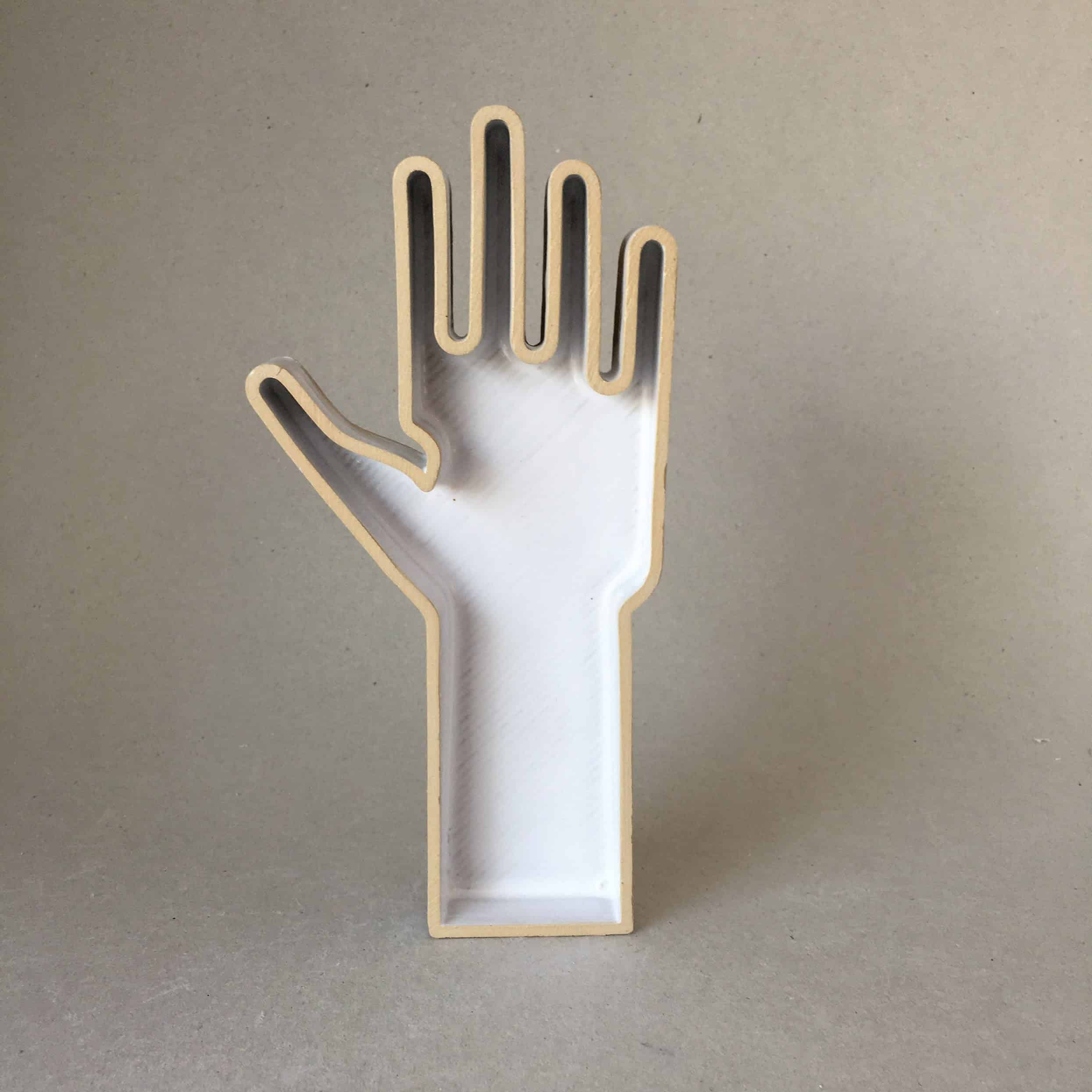HND — Hand object made of ceramic